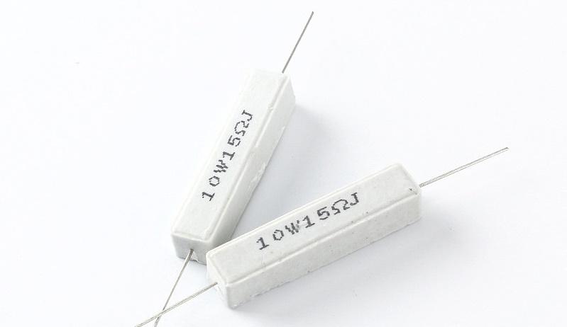 Điện trở sứ 15 Ohm 10 W